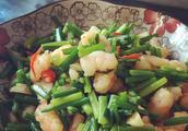 这四道菜学会了做出来给家人吃,上桌后夸赞不停