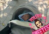 李亚男刚满月就带娃散步,女儿正脸曝光,鼻子好像王祖蓝!