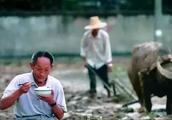 袁隆平老人因买两部华为手机,被无耻黑子辱骂过不了几个月暴毙