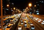 为什么没有事故也会出现堵车?2分钟弄明白如何避免堵车