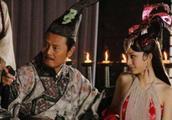她是汉元帝亲封的冒牌公主,嫁给了单于父子3人,做一件伟大的事