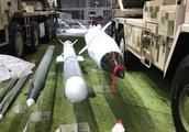珠海航展上的中国新火箭炮,让美国人聊以自慰的资本所剩无几!