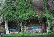 四川有棵神秘古树,树根之中藏有1000多尊佛像,至今无人能解!