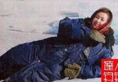 刘晓庆25年前曾做香港美女主持人!穿军大衣戴雷锋帽英姿飒爽!