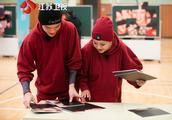 江苏卫视《最美的时光》话题与情感升温 温馨时刻引发强烈共鸣