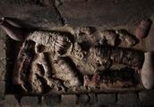 4500年前的埃及古墓被打开:发现几十只猫木乃伊和成堆圣甲虫