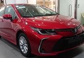 全新2019款丰田卡罗拉实车现身!红色车身比较少见 换装独立后悬