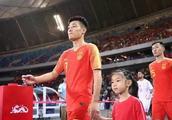 输给泰国 是谁的错?不怪卡纳瓦罗,国足队员背锅!