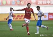 中超联赛收官战广州恒大破纪录,但球迷们却为另一件事兴奋不已