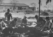 实拍:二战被摧残后的日本人真实生活