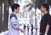 龙套男演戏份被剧本改没了找来编剧想套路要争取,编剧不买账