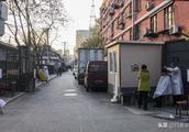 北京CBD棚户区街边剃头匠:坚守理发20年 一次只要6块钱