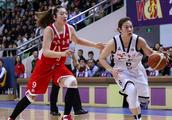 WCBA总决赛第二战,八一险胜广东扳平比分,李梦33分8篮板8助攻