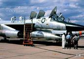 B-58轰炸机 有着超音速的速度却有着不可避免的缺陷