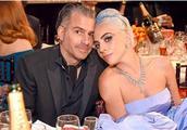 Lady Gaga又分手了,黄毅清爆料Gaga劈腿库伯,网友:谣言!