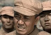 亮剑中这位军长战功显赫,只被授予大校军衔,李云龙这少将不委屈