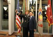 应西点军校邀请,马云在西点军校给出了自己个人的答案:领导力!