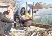 我的农村365,雨田哥家改善伙食,焦香金黄炸鸡块,贺子还要汉堡