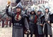 朱元璋在庆功宴上跌倒,此功臣扶了他一把,竟引杀身之祸