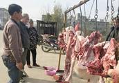 猪肉为啥掉价了?卖肉商贩告诉你真实原因,你还敢买肉吃吗?