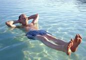 死海正在不断地缩小,在未来也许会消失,当地政府对此无能为力