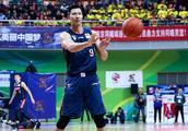 每2场出现一次20+10 易建联仍是中国男篮一哥 广东18连胜他记头功