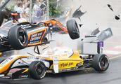 视频:F3赛车过弯失控飞起空中解体 17岁女赛车手幸运存活