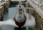 如何摧毁一艘核潜艇?此人独自炸沉美军潜艇,美国还得保他安全