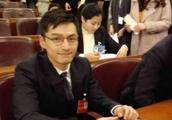 在人民大会堂被打回原形,网友:佟丽娅真美,赵薇好沧桑!
