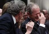 老布什葬礼:川普和希拉里互相无视!(附小布什感人悼词)