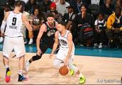 NBA全明星赛中库里与克莱难得一见的画面