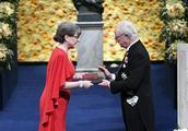 在斯德哥尔摩举行2018年诺贝尔奖颁奖暨晚宴