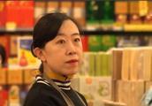 十一年前的她盲目追星,父亲卖肾换钱,就为了她能见到刘德华本人
