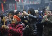 春节期间,有人冒充10天假和尚,赚了15万人民币