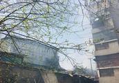 武汉一市场仓库起火,损失上百万元,幸无人员伤亡