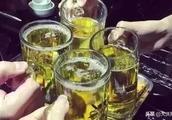 """""""00后""""宿舍喝酒致高位截瘫,6名同学被判赔20余万元"""