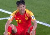 曝于汉超拉伤严重或难坚持,此前为备战亚洲杯恒大球员已伤退2人
