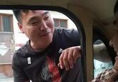 大衣哥开新车买菜,被质疑故意炫耀?网友:开车买菜怎么了?