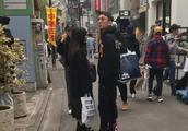 李易峰与王思聪同游日本,网友称:心疼林更新。