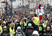 法国黄背心运动人数不减 总统倡议辩论奏效甚微