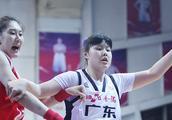 广东女篮捧得WCBA总冠军   宏远的小伙子看你们的了!