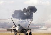 美军一年损失十几架战机,大量飞机要更换,训练强度高的必然结果