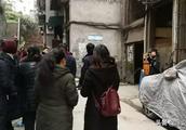 突发悲剧!蓬安青龙街12岁小男孩从楼梯口坠下,当场死亡
