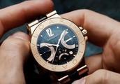 钢铁侠的工作室太科幻,随随便便一块手表看起来就价值不菲