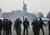 黄背心还未平息,蓝背心警察也要闹罢工了,法国正在滑向深渊