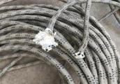 装修工16楼作业不慎弄脏业主晾晒衣服 对方竟割断他的安全绳