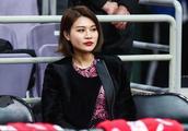 李根妻子、阿的江女儿场边助威,新疆难逃失利,在北京遭遇两连败