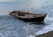 """日本大量""""幽灵船""""现身,搭载着尸体甚至白骨,真相是什么?"""