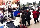 现场:河南一婚礼现场突发爆炸致1死11伤 新娘亲属当场身亡