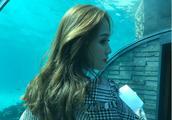 偶像女王陈乔恩,在马尔代夫海底世界开工,新造型曝光